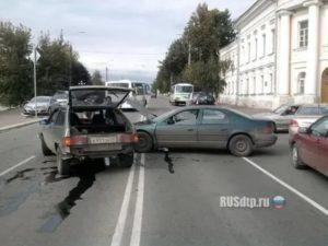 Не уступил дорогу автомобилю движущемуся по главной штраф беларусь