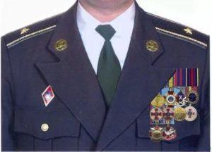 Расположение медалей на кителе фсо